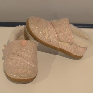 Tiny Toms Slippers Toddler size 8